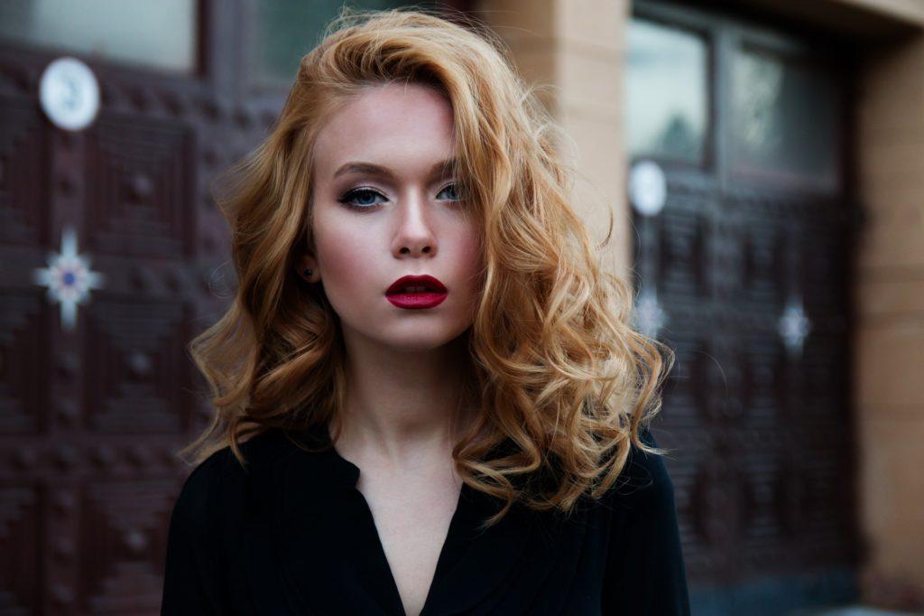 girl lovely red lips
